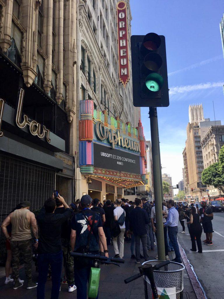 Der Eingang vom Orpheum-Theater, wo die Ubisoft-PK stattfand.