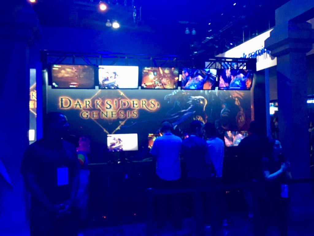 Eine Anspiel-Station von Darksiders Genesis.