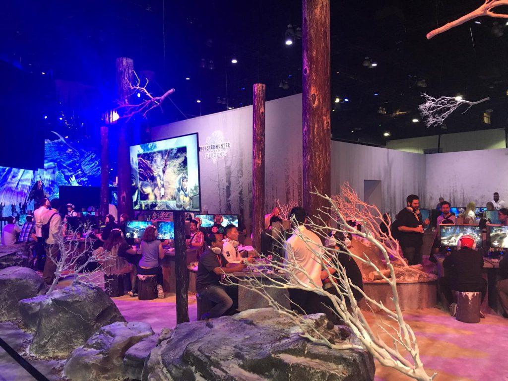 Der Stand Monster Hunter ist als karge Winterlandschaft gestaltet.