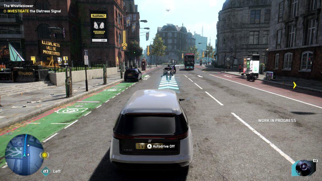 Ein weißes Auto folgt einer Linie aus blauen Pfeilen, die den Weg zum Quest-Ziel anzeigen.